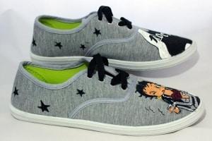 Dibujo Betty Boop zapatillas - handpianted shoes - lápiz creativo
