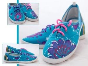 Flores pintadas a mano - zapatillas decoradas - playeras personalizadas - lápiz creativo