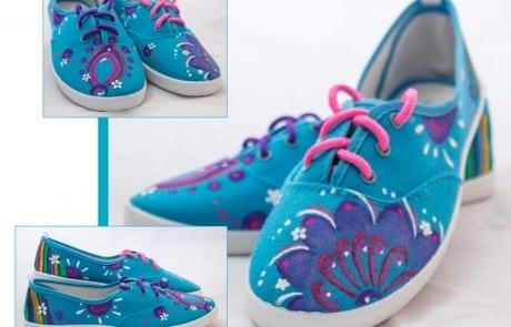 zapatillas decoradas - Flores pintadas a mano - playeras personalizadas - lápiz creativo