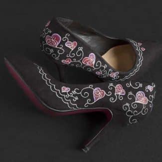 Customizar unos zapatos de tacón pintados a mano - lápiz creativo