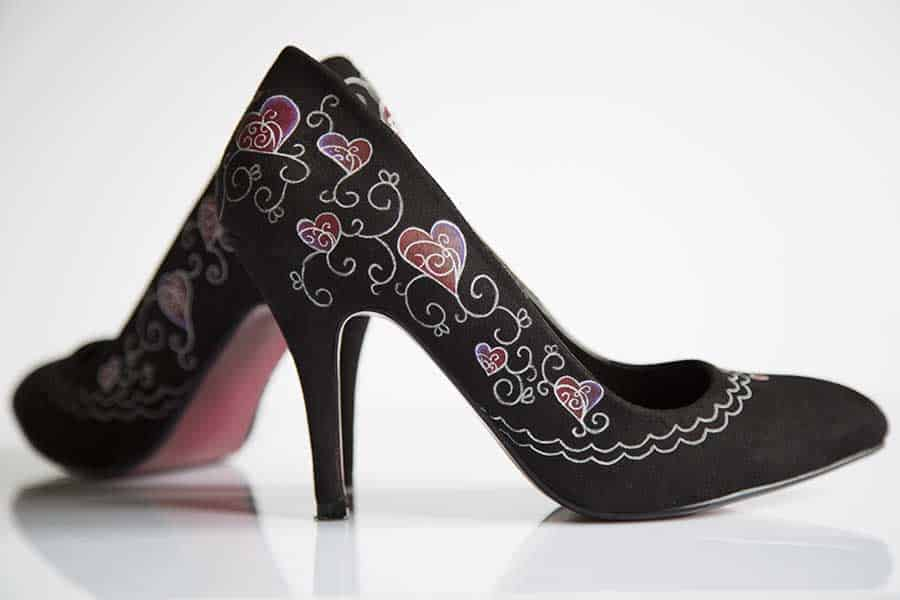 Customizar zapatos: Zapatos de noche pintados a mano