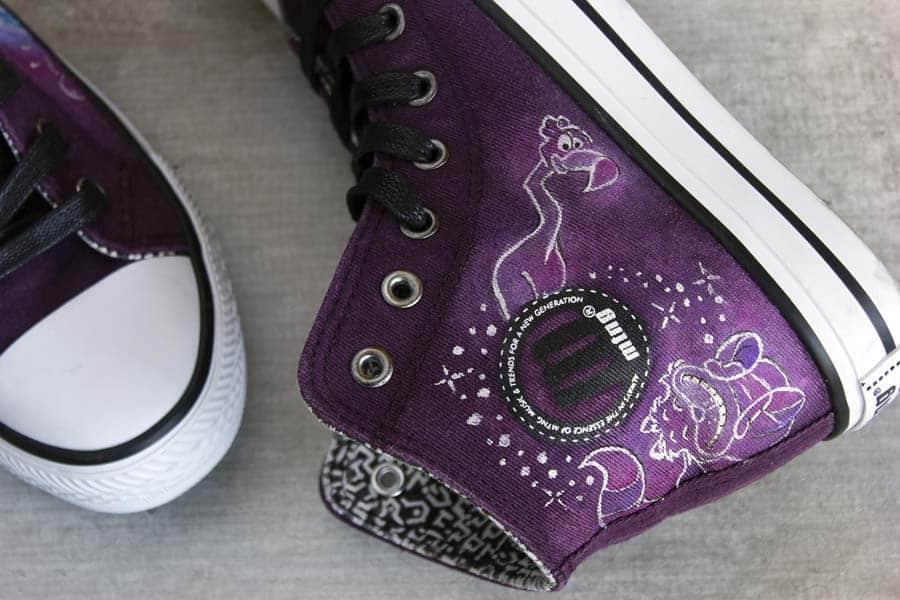 Outlet Zapatos _ Mustang _ Alicia en el País de las Maravillas _ Zapatillas Pintadas a mano _ Lápiz Creativo