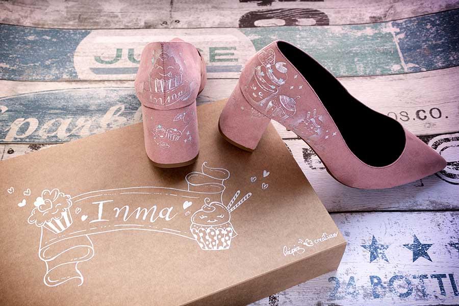 Zapatos Decorados con cup cakes pintados a mano