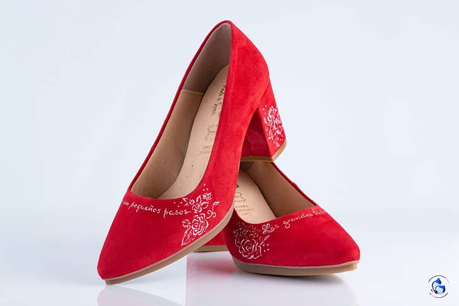 Zapatos rojos _ zapatos pintados a mano_ mimaoshoes _ lapizcreativo
