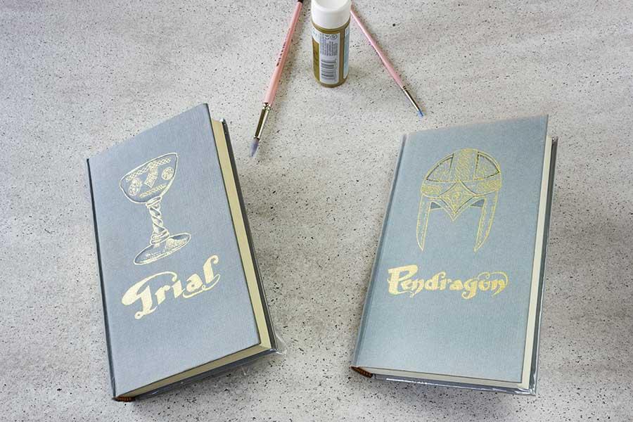 Regalos Originales _ Portadas de libros Pintadas a mano _ Ciclo Pendragon _ Grial _ Lapiz Creativo