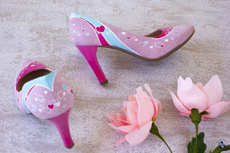 Zapatos pintados a mano - taocnes decorados - salones mimao rosas - lapizcreativo